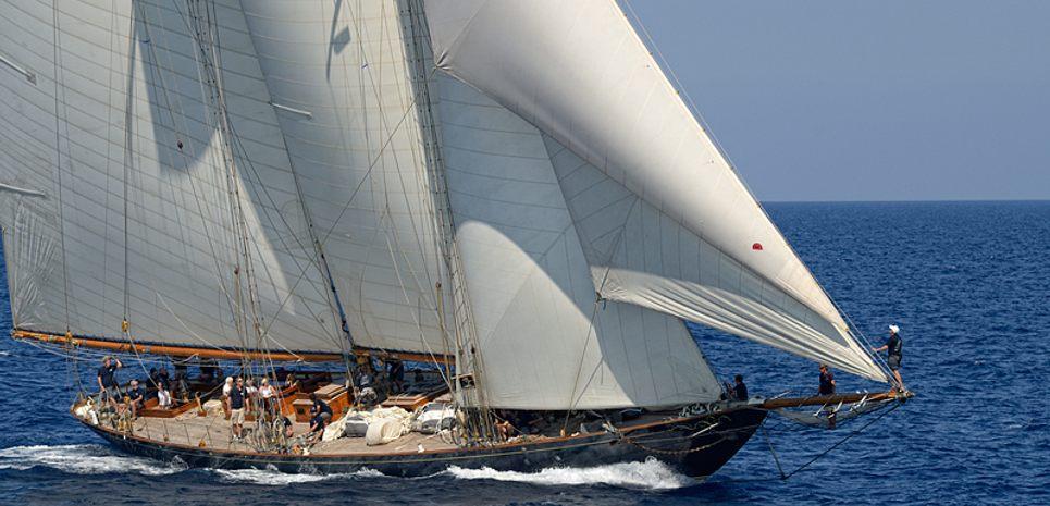 Mariette of 1915 Charter Yacht