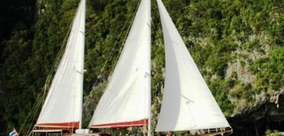 Lady Anita Charter Yacht