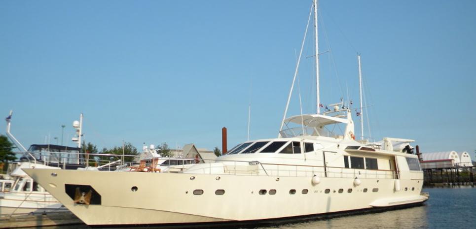 OR NOIR Charter Yacht