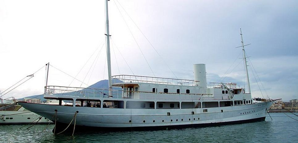 Rossy One Charter Yacht