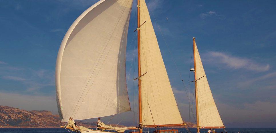Hyige Charter Yacht