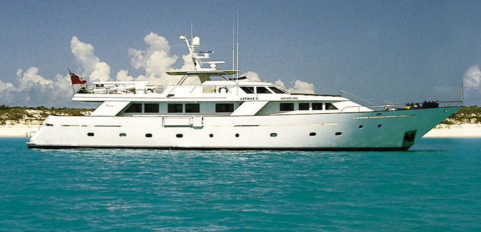 Espinola Charter Yacht