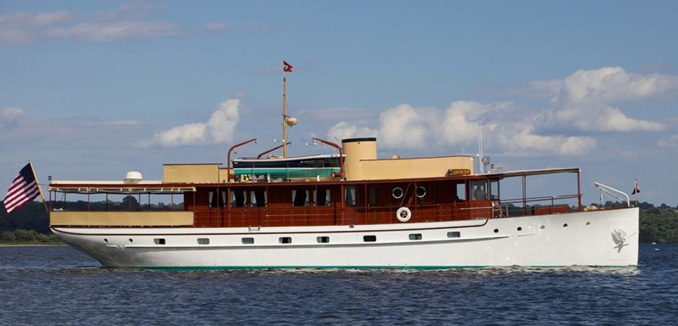 Enticer Charter Yacht