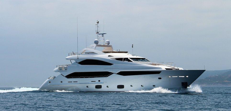 Deseo Charter Yacht