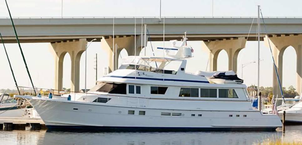 Lifter Charter Yacht