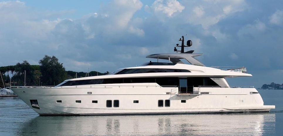 The Phat Boat Charter Yacht