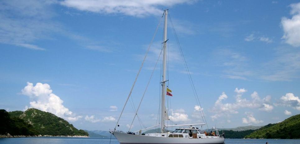August Maverick Charter Yacht