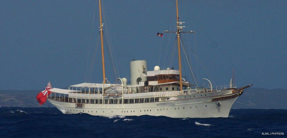 Nahlin Charter Yacht