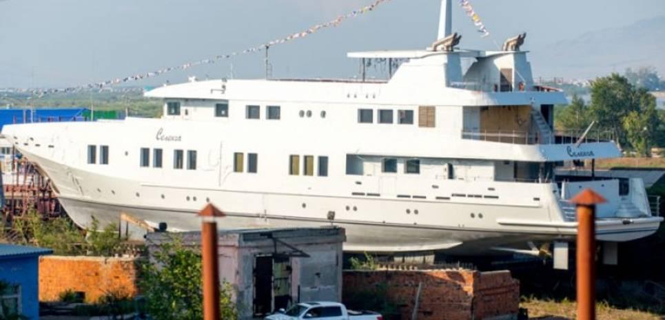 Selenga Charter Yacht