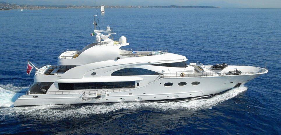 Slo Mo Shun Charter Yacht