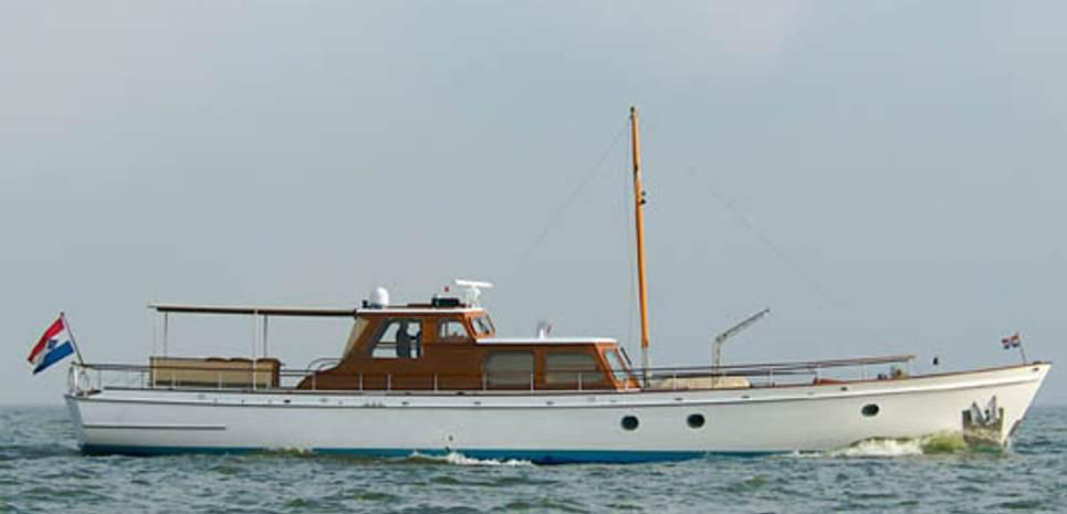 Atalanta J Charter Yacht