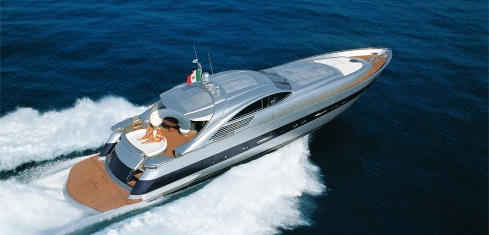 Cinque Charter Yacht