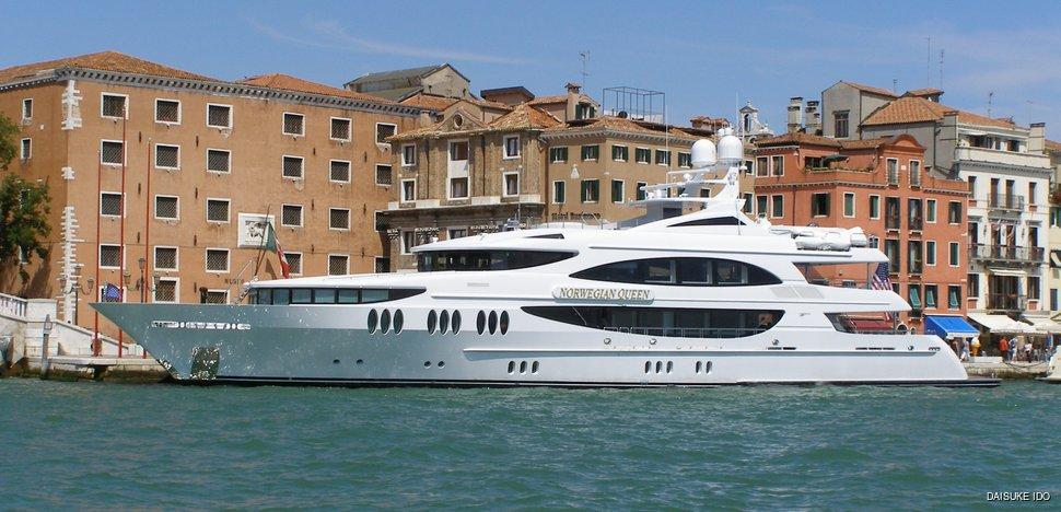 norwegian queen yacht trinity yachts yacht charter fleet. Black Bedroom Furniture Sets. Home Design Ideas