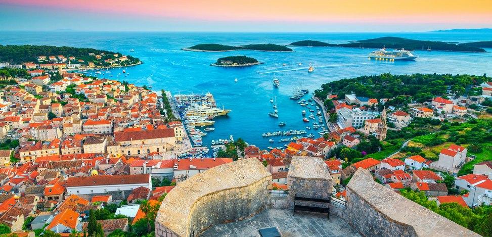 Cruise to the Port of Hvar island