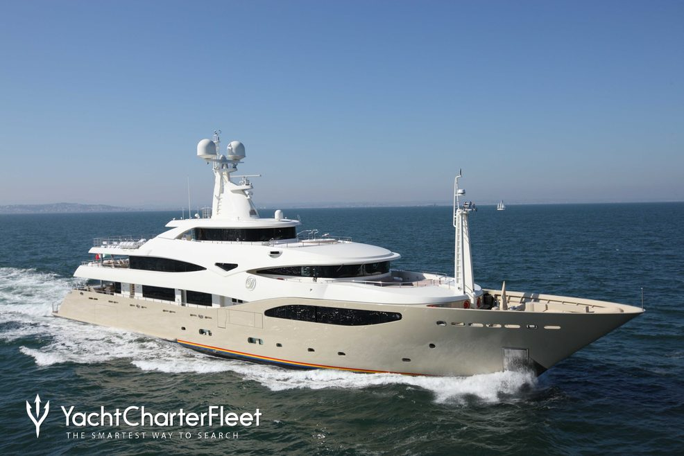 Light Holic Charter Yacht