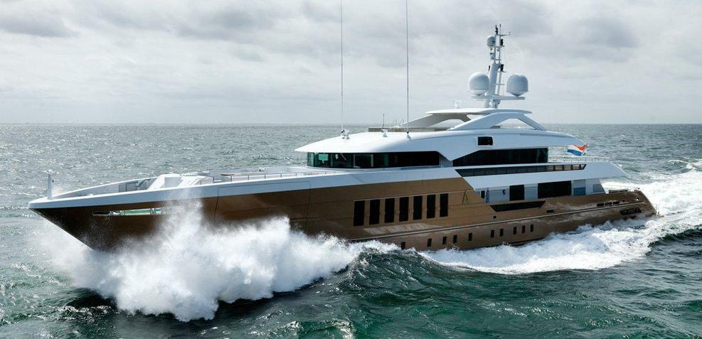 Azamanta Charter Yacht