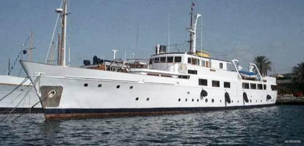 Maha Charter Yacht