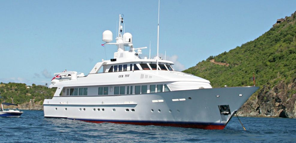 Lady Victoria Charter Yacht