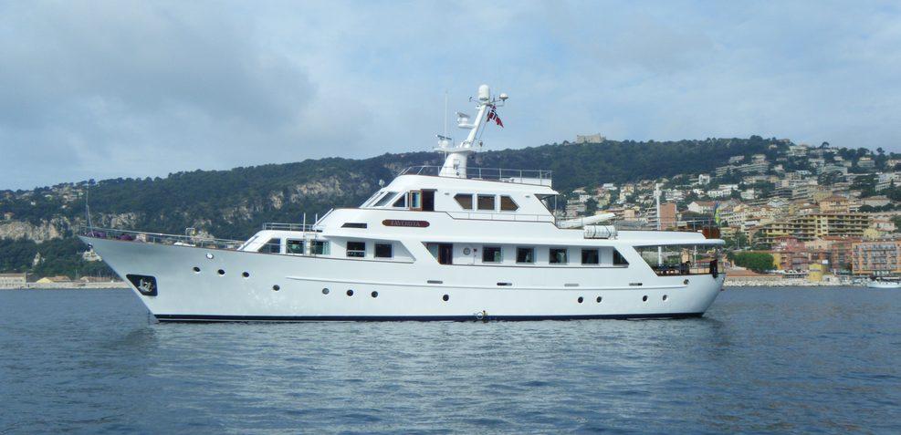 Favorita Charter Yacht