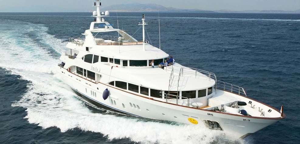 Dia's Charter Yacht