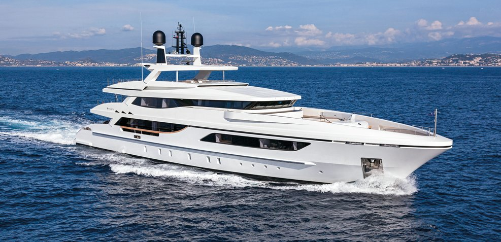 Mr T Charter Yacht