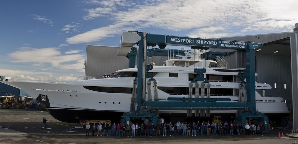 Evviva Charter Yacht