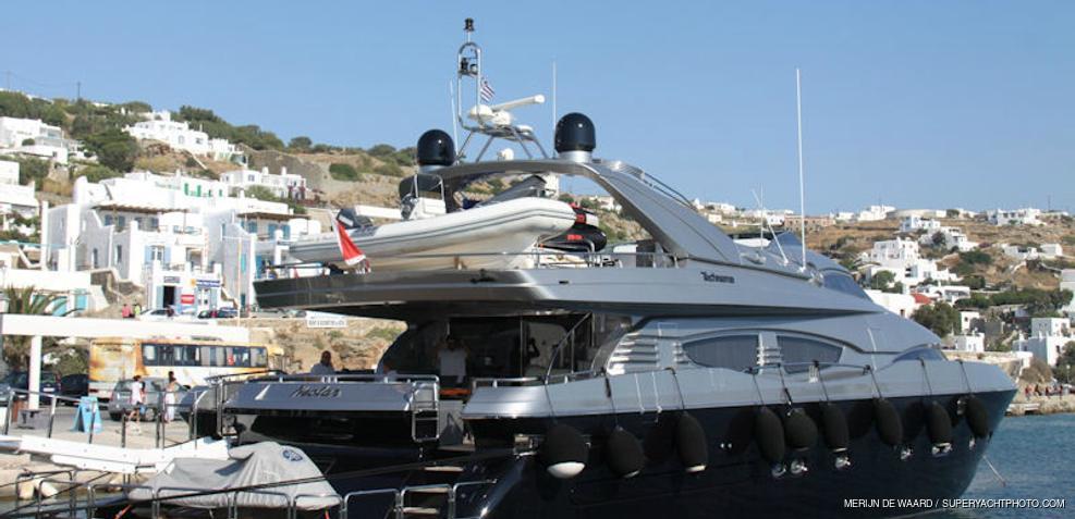 Elvi Charter Yacht