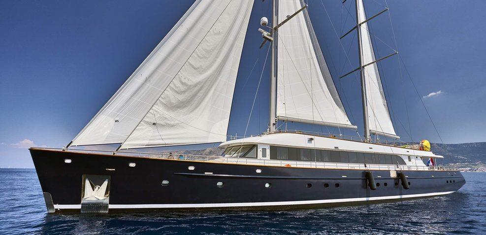 Dalmatino Charter Yacht
