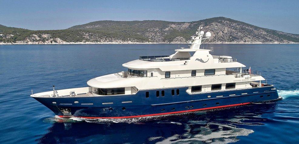 Serenity II Charter Yacht