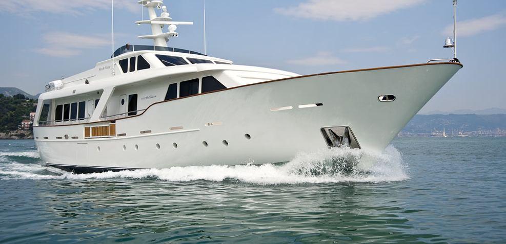 Mrs White Charter Yacht