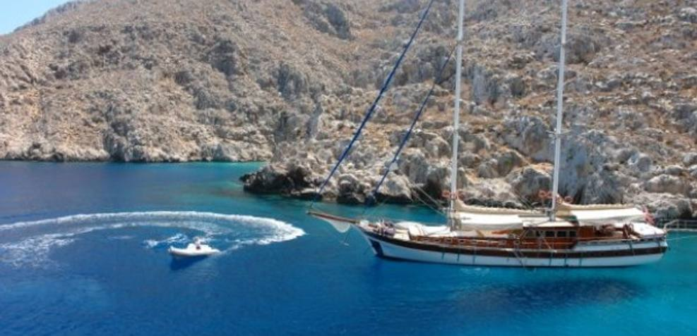 Arielle I Charter Yacht