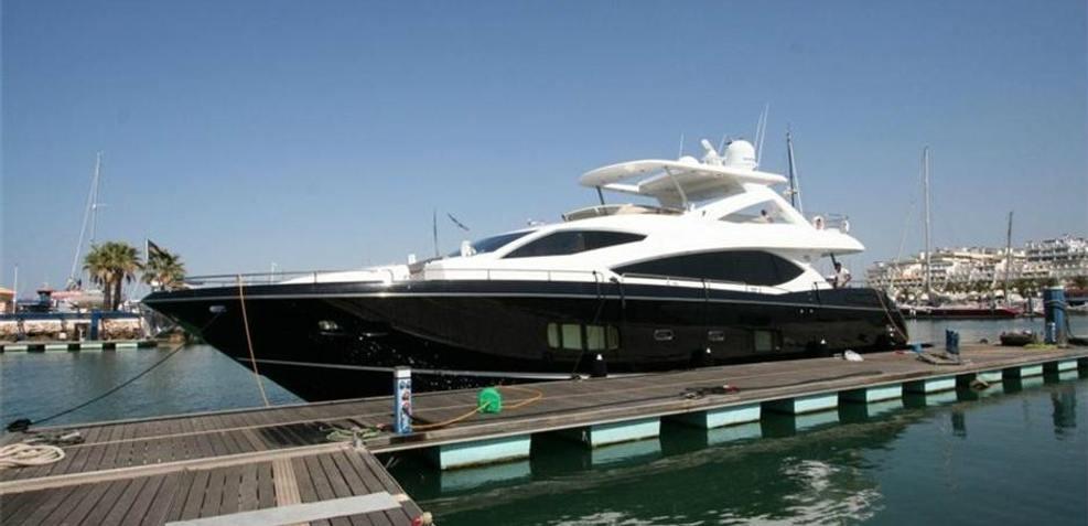 iFly Charter Yacht