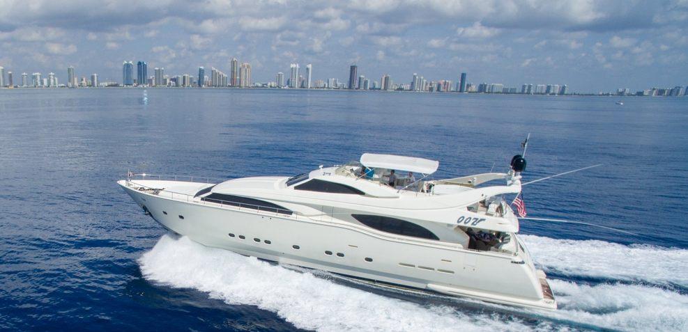 Ooz Charter Yacht
