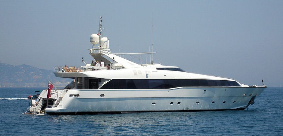 Palm B Charter Yacht