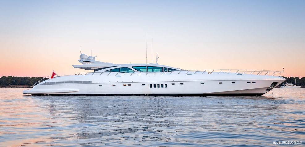 Beachouse Charter Yacht