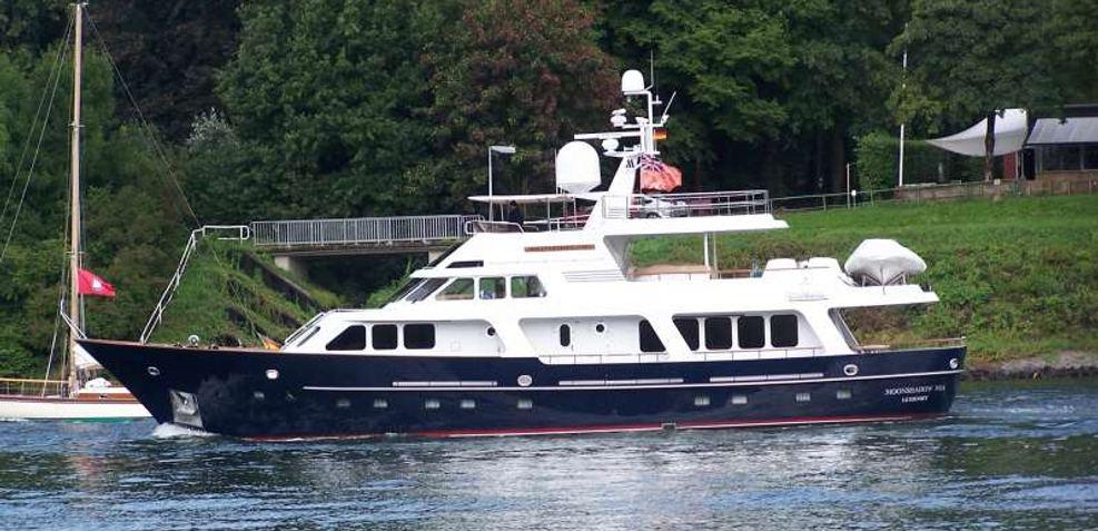 Moonshadow Noa Charter Yacht