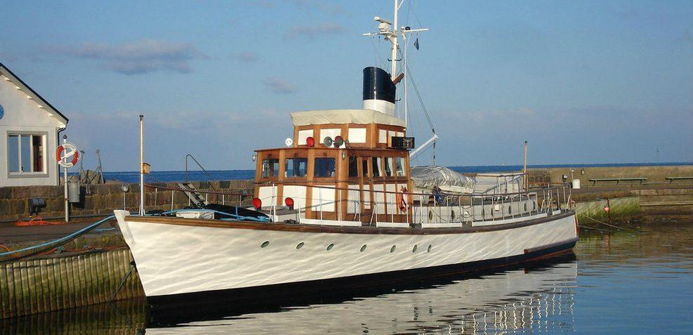 EMM XXIII Charter Yacht