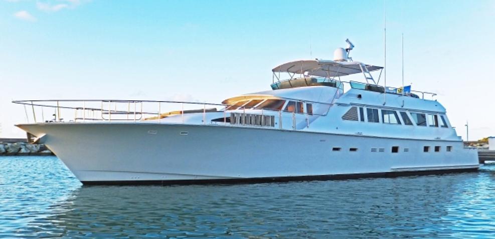 Pixel Charter Yacht