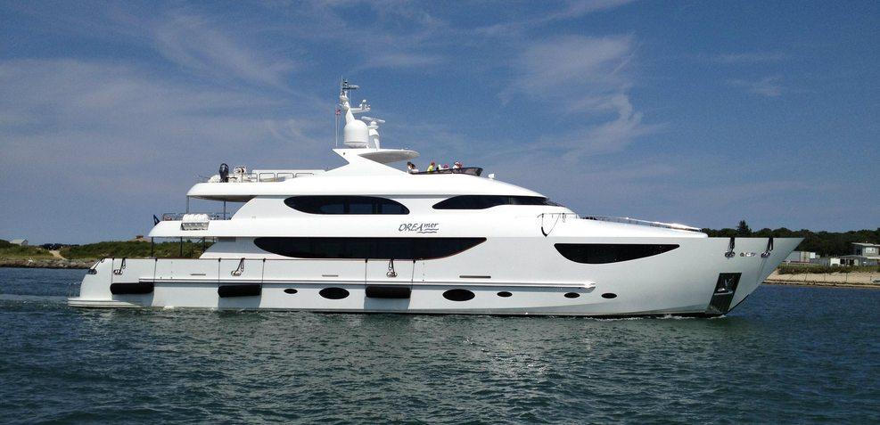 DREAmer Charter Yacht