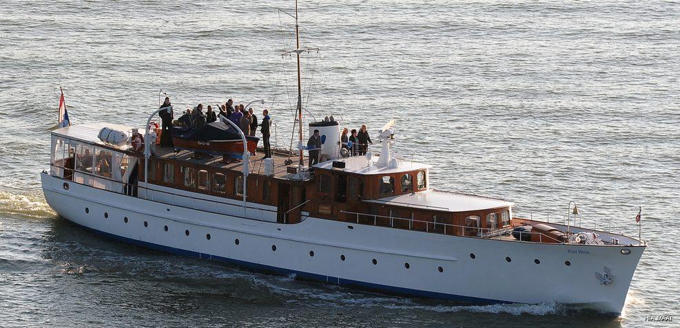 Piet Hein Charter Yacht