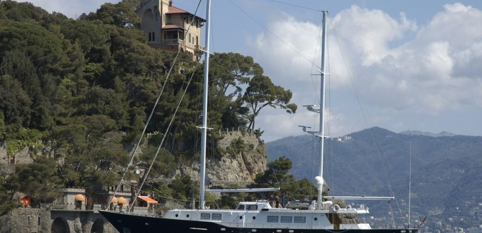 Barcablu Charter Yacht