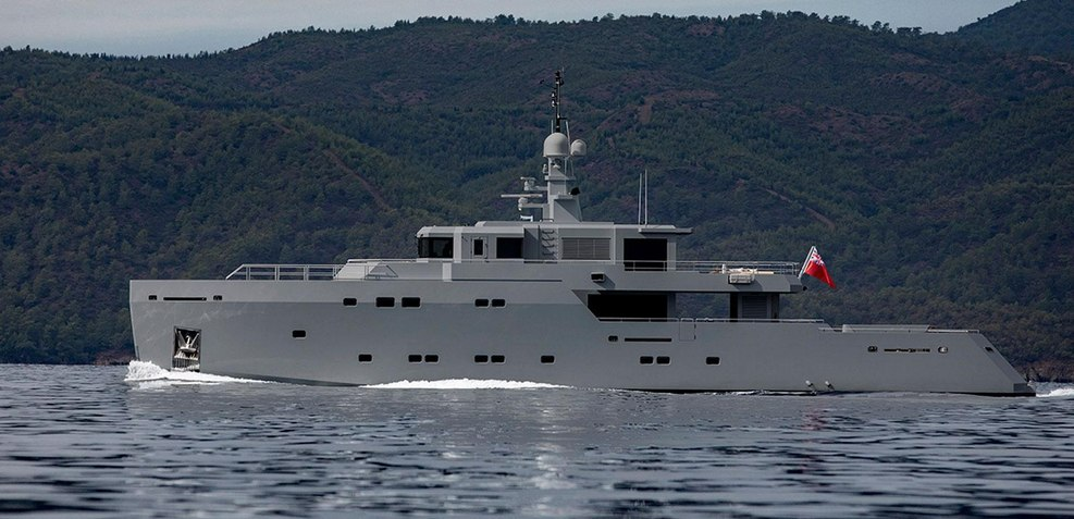 Tigershark one Charter Yacht