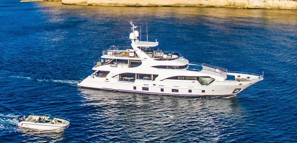 Kelly Ann Charter Yacht