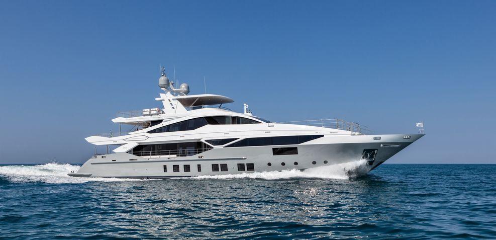'H Charter Yacht
