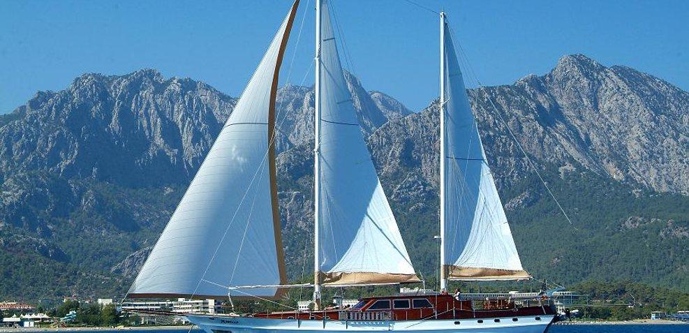 Arabella Charter Yacht