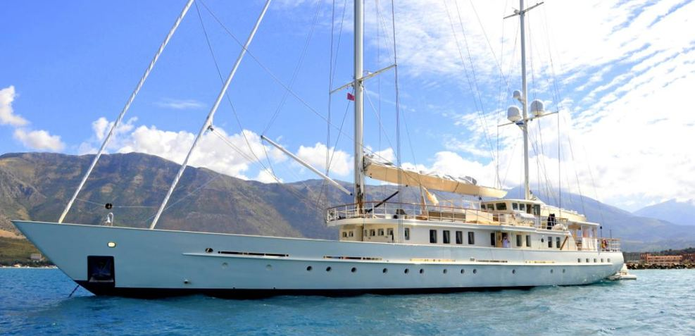 Dione Star Charter Yacht