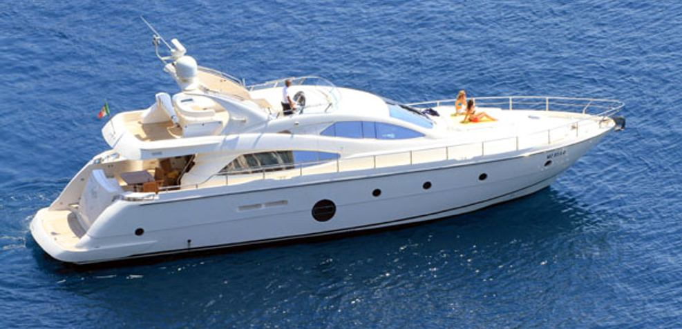 Gaffe Charter Yacht