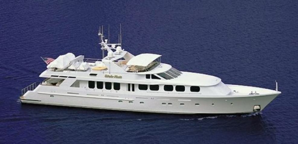 Cachée Charter Yacht