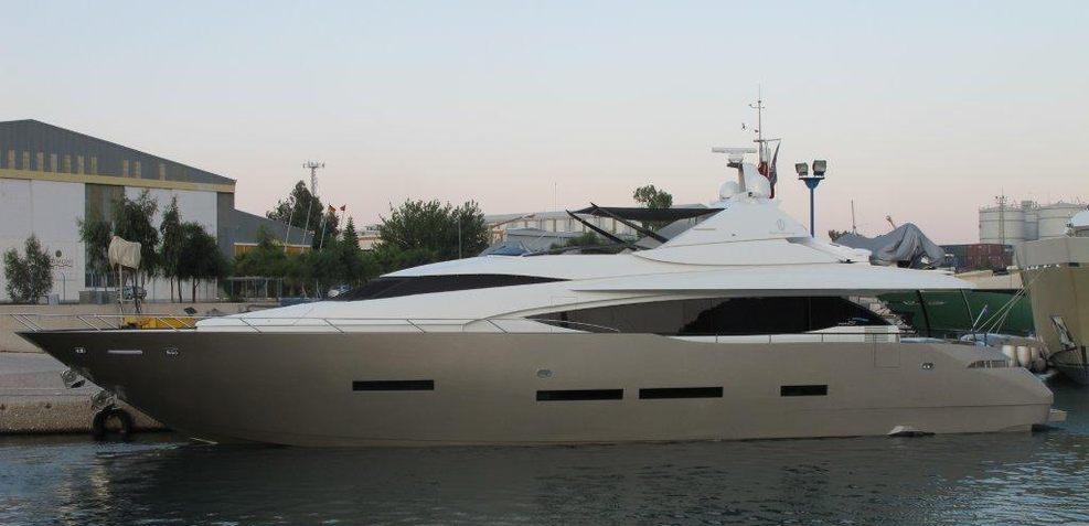 Ozone Charter Yacht