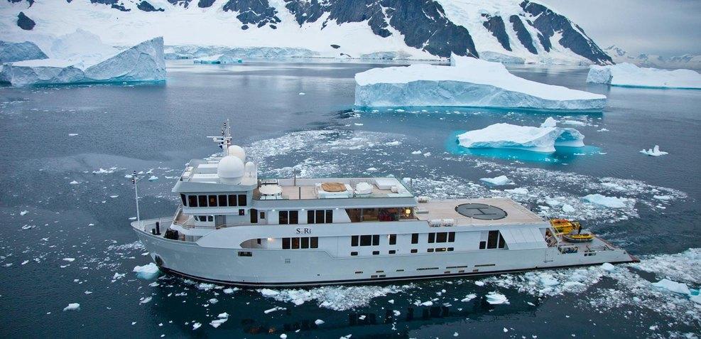 SuRi Charter Yacht